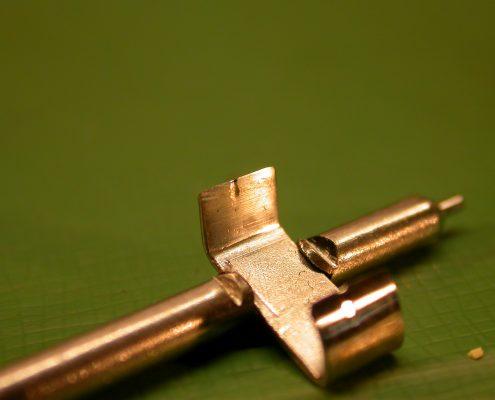 Beispiel 1 Schleifen und polieren von Blechanker vorher