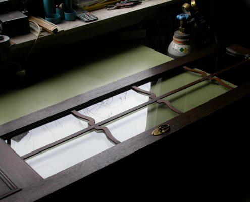 Beispiel 16 Restauration und Verglasung antiker Gehäusetür nachher