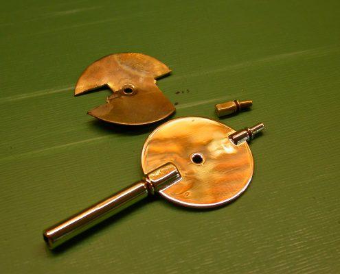 Beispiel 19 Anfertigung spezieller Aufzugschlüssel