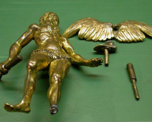 Beispiel 30 Reparatur gebrochener Figuren aus Bronze