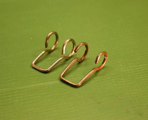 Beispiel 8 Anfertigung von Pendlaufhängung für Schwarzwalduhr