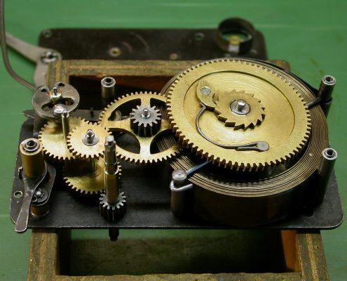 Beispiel 8 Anfertigung von Triebfedern für antikes Spielzeug
